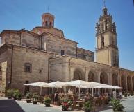 Platz in Los Arcos